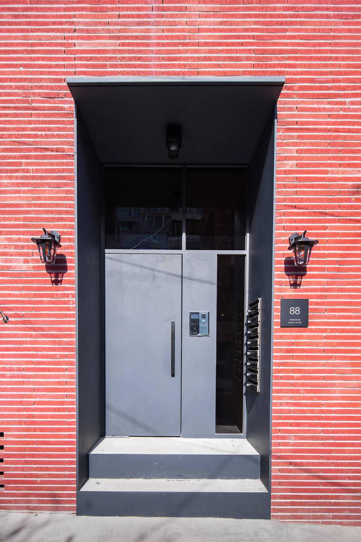 Rumah oleh AAPA건축사사무소, Modern