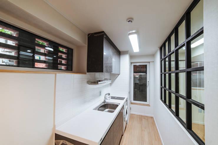 Dapur oleh AAPA건축사사무소, Modern