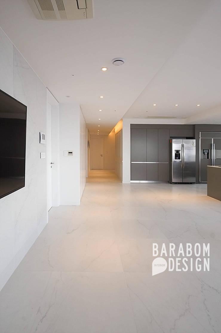 삼성동 아이파크 59평: 바라봄디자인의  거실