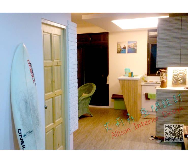 小巧吧台連結ㄇ廚房 超級省空間~:  走廊 & 玄關 by 艾莉森 空間設計