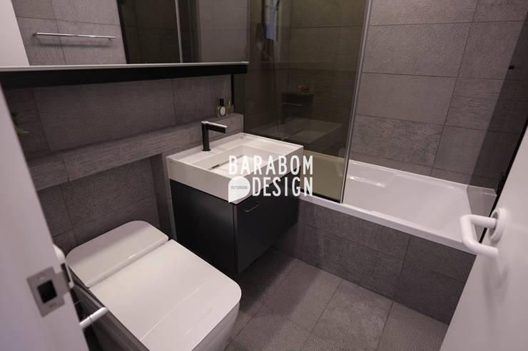 서초동 한신 49평 인테리어: 바라봄디자인의  욕실