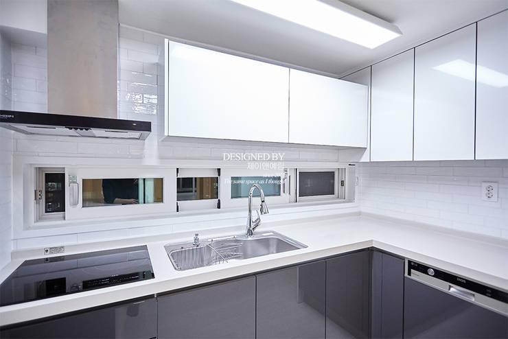 평촌 현대아파트 32평: 제이앤예림design의  주방