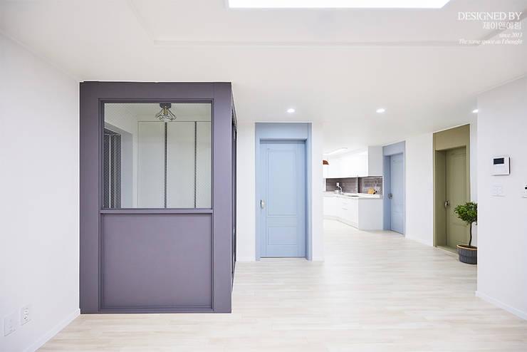 고척 삼익 아파트 32평: 제이앤예림design의  거실