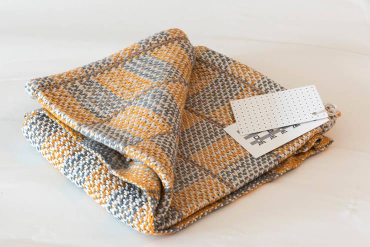 Handwoven towel Eksjo:  Keuken door ilsephilips