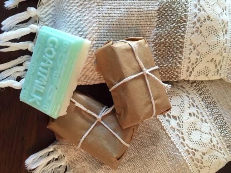 Handwoven zeepzakjes:  Badkamer door ilsephilips