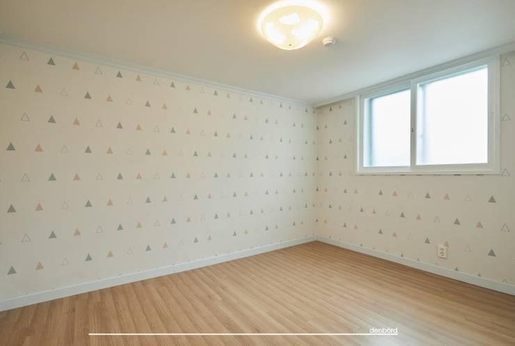 목동 3단지 33평: 덴보드의  방,모던