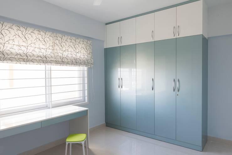 Anil DP: modern Dressing room by Designasm Studio