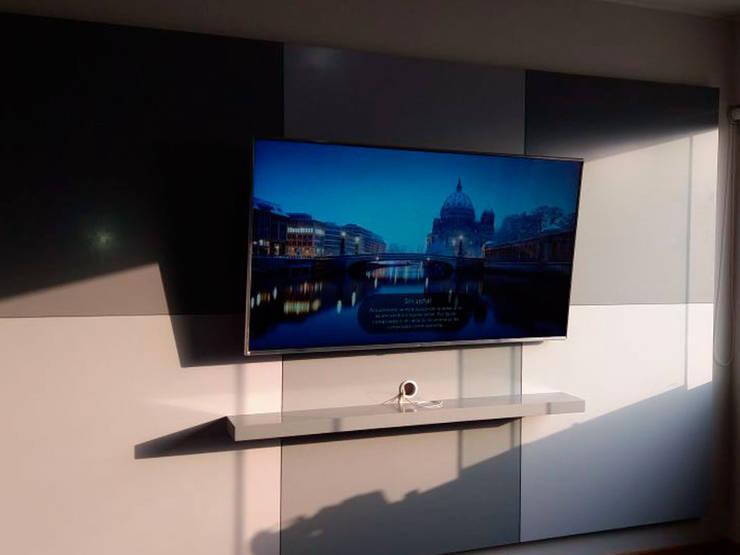 Mueble tv moderno y minimalista:  de estilo  por Minimalistika.com, Minimalista Aglomerado