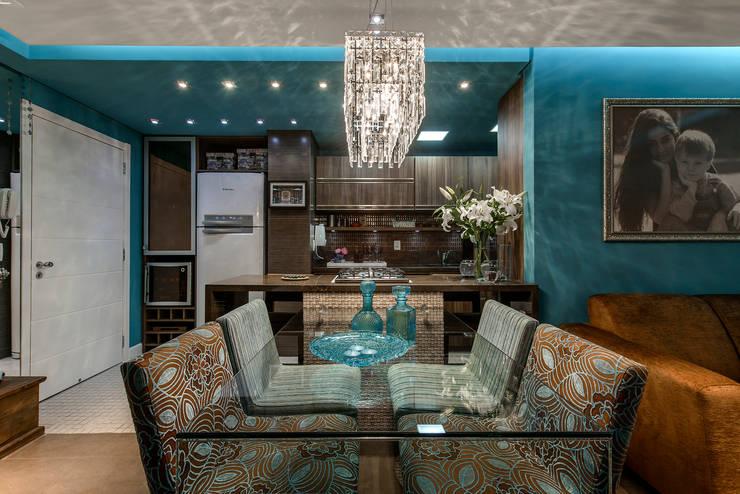 Sala, cozinha e jantar: Salas de jantar modernas por arquiteta aclaene de mello