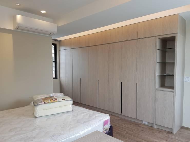 Dressing room by 懷謙建設有限公司