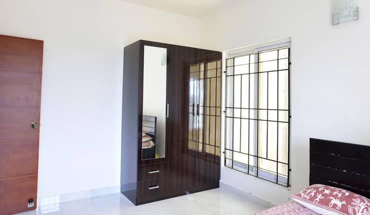 Apoorva Vijesh Aratt requiza:  Dressing room by Designasm Studio