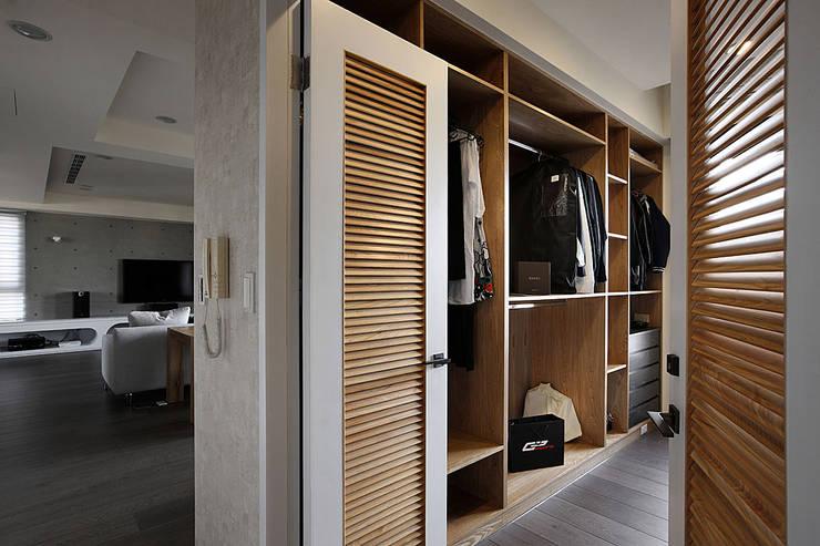 建築與詩小檔:  書房/辦公室 by 台中室內設計-築采設計