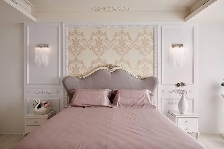 用最舒服的姿勢跳入這渡假港灣:  臥室 by 趙玲室內設計