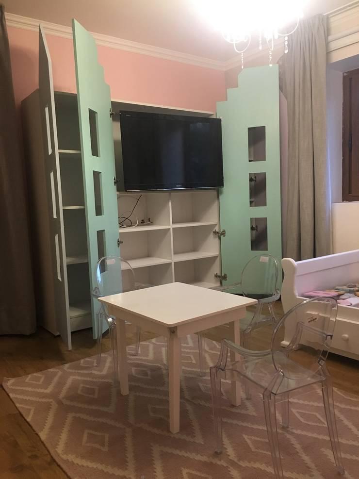 Habitación Niñas: Dormitorios de niñas de estilo  por Kaa Interior