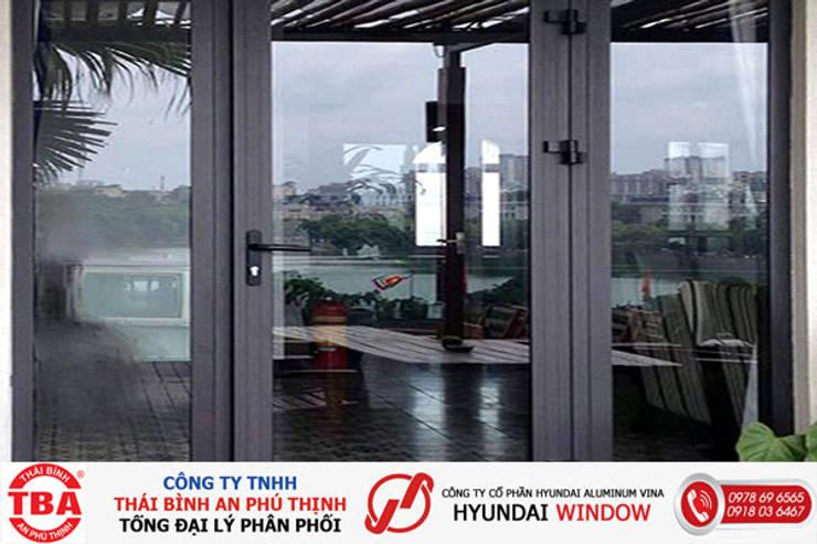 nhôm hyudai:  Windows & doors  by Nam Nguyễn