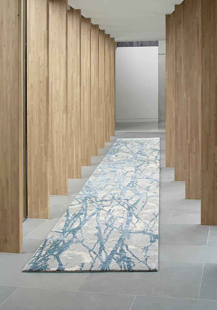 Paredes y pisos de estilo  por STEPEVI - Rug & Carpet Refined Luxury