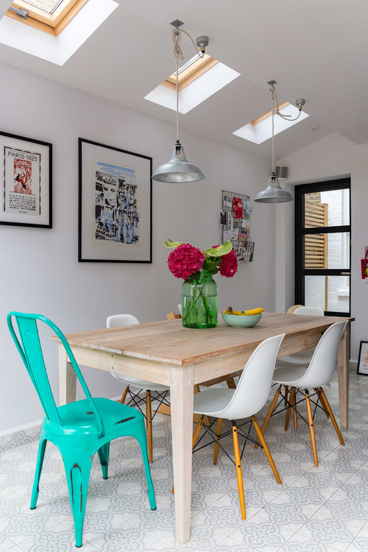 North West London Terraced House:  Dining room by VORBILD Architecture Ltd.