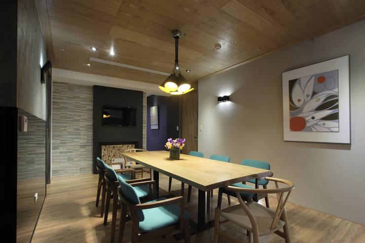 惠宇天青7b:  餐廳 by 台中室內設計-築采設計
