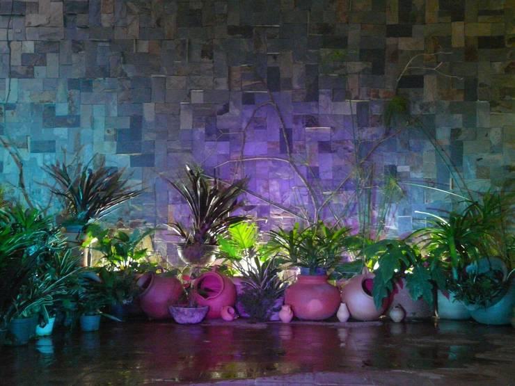 paisajismo en terraza: Jardines de piedras de estilo  por ESTUDIO KULUMAK