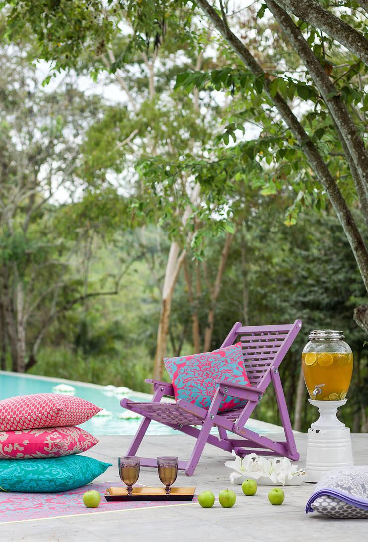 Casa Mesa de Yeguas X-13: Piscinas de estilo  por NOAH Proyectos SAS