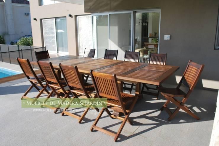 Mesa Fija para Jardin en madera con tratamiento para uso Exterior: Jardines de estilo  por Muebles de Madera y Jardín .COM,
