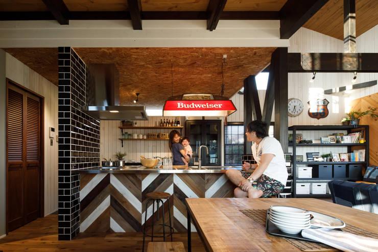 Dapur Gaya Industrial Oleh dwarf Industrial