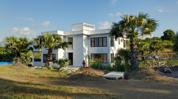 Villa Resort:  Dinding by Nuansa Studio Architect