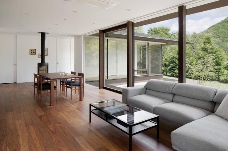 Soggiorno in stile  di atelier137 ARCHITECTURAL DESIGN OFFICE