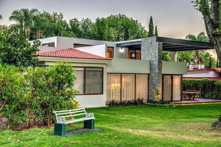 Villa de style  par Stuen Arquitectos,