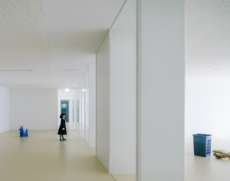 Corridor & hallway by JAN RÖSLER ARCHITEKTEN