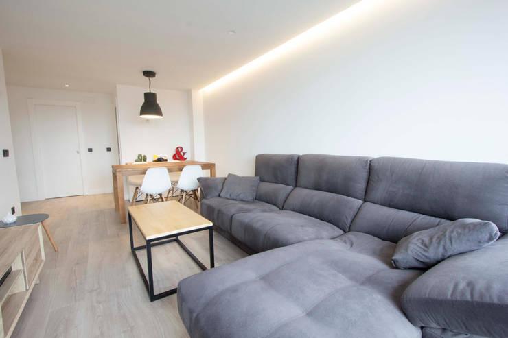 Phòng khách theo Bocetto Interiorismo y Construcción,