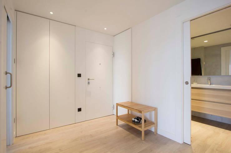 Hành lang theo Bocetto Interiorismo y Construcción,