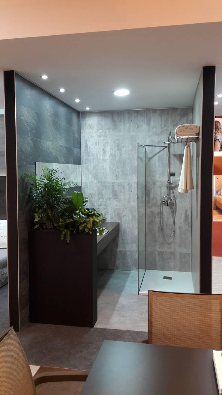 Reforma Baño sin obra con el nuevo GXWALL+: Hoteles de estilo  por GROSFILLEX
