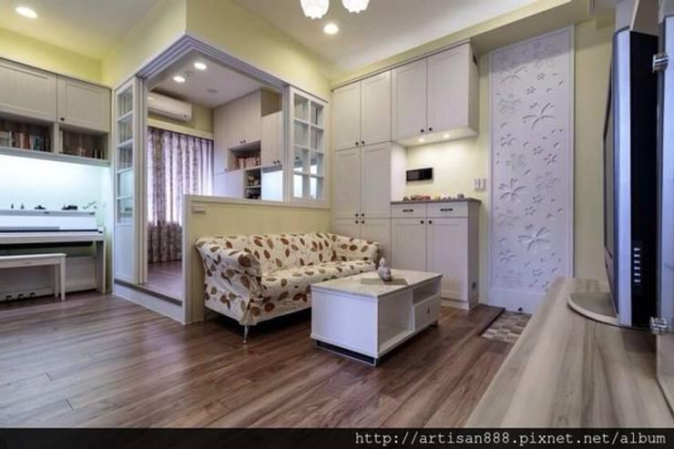 Salas / recibidores de estilo  por 芸匠室內裝修設計有限公司, Rural