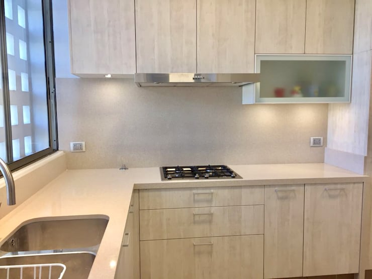 Vista Lateral: Cocinas equipadas de estilo  por balConcept