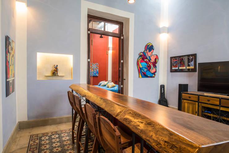 ห้องทานข้าว โดย Taller Estilo Arquitectura, โคโลเนียล