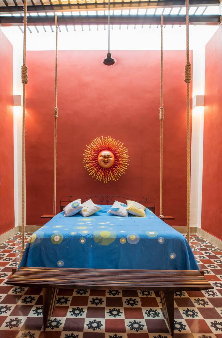 Bedroom by Taller Estilo Arquitectura, Colonial