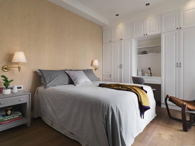 現代與古典的碰撞:  臥室 by 御見設計企業有限公司