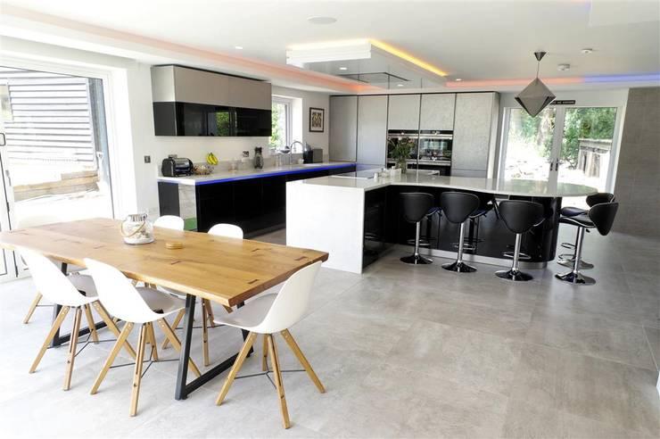 Durable Kitchen Flooring Ideas: Tile