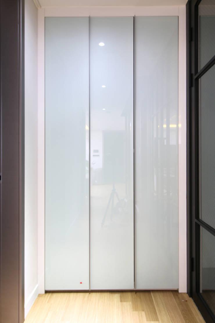 청라 파크자이 더 테라스: Design Mind Mirae의  방