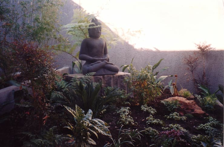 BELL:  Garden by Japanese Garden Concepts, Asian