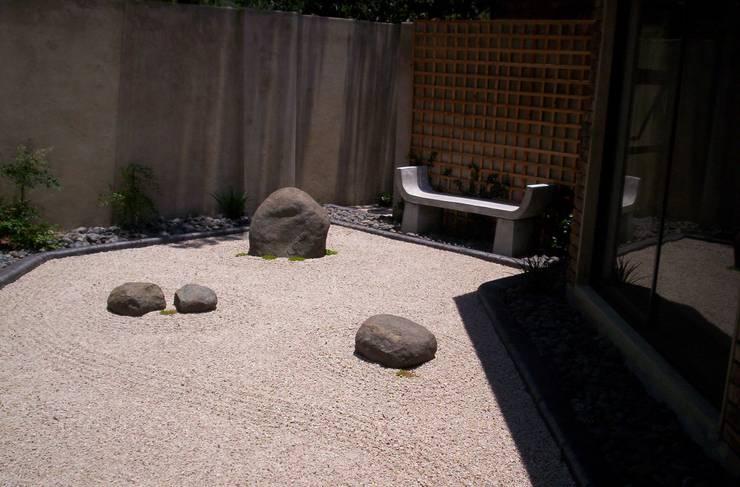 ARNOLD:  Garden by Japanese Garden Concepts, Asian