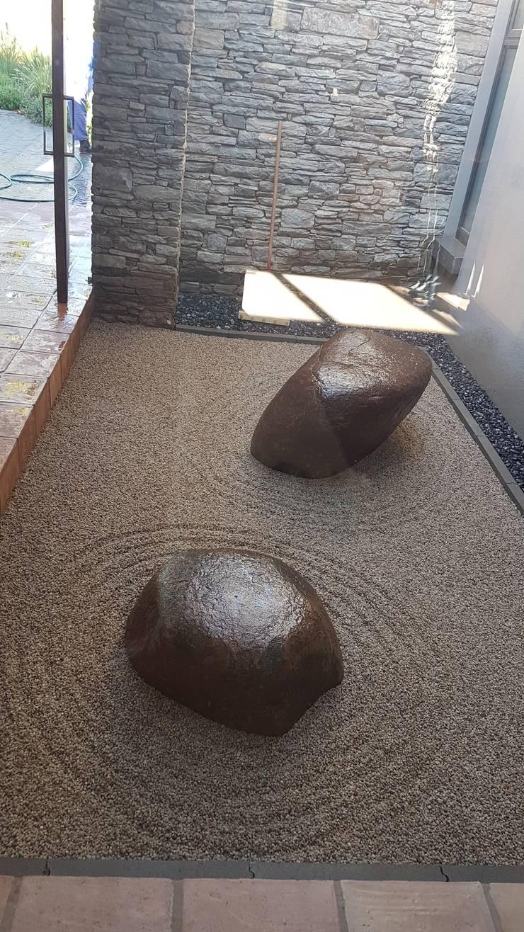 Jardines de estilo  por Japanese Garden Concepts