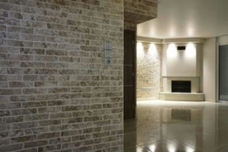 Projects:  Corridor & hallway by Tepostone South Africa