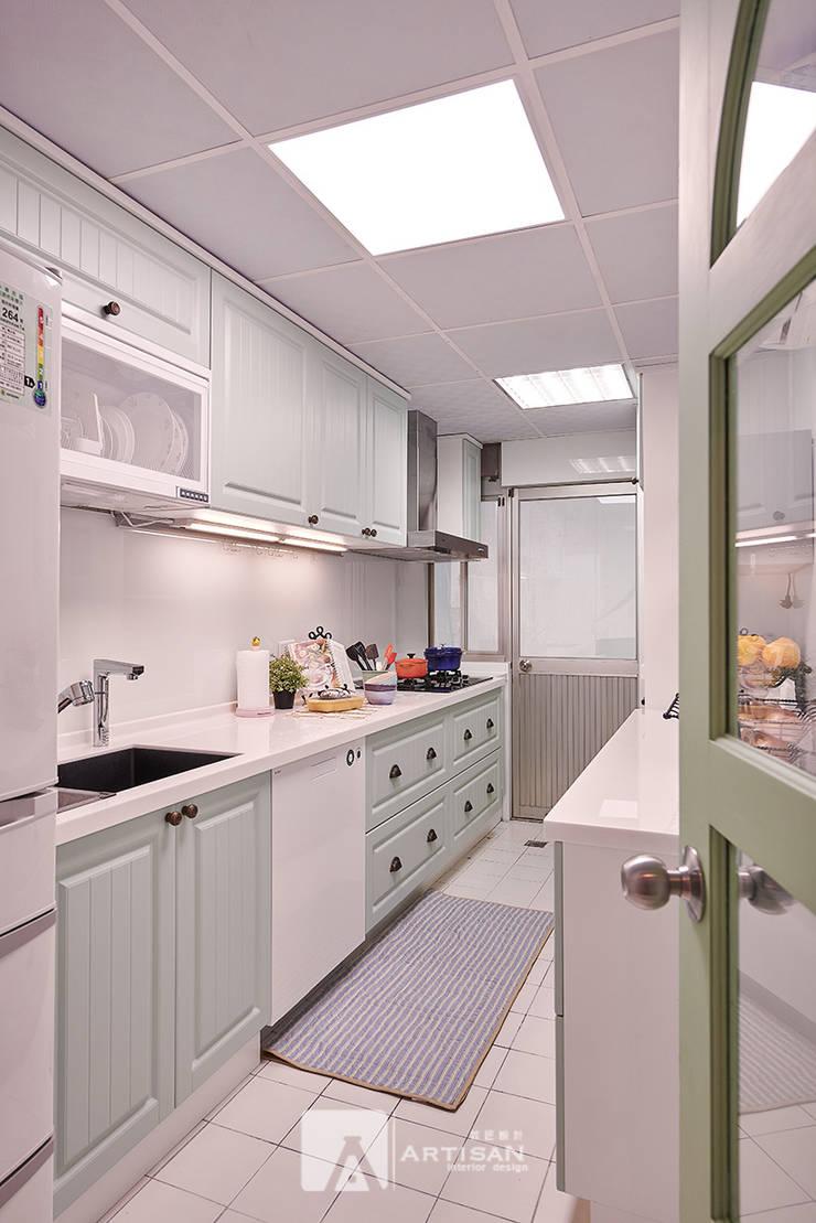 樂活  | 美式鄉村 3房2廳 |  芸匠室內設計 Artisan Design:  廚房 by 芸匠室內裝修設計有限公司
