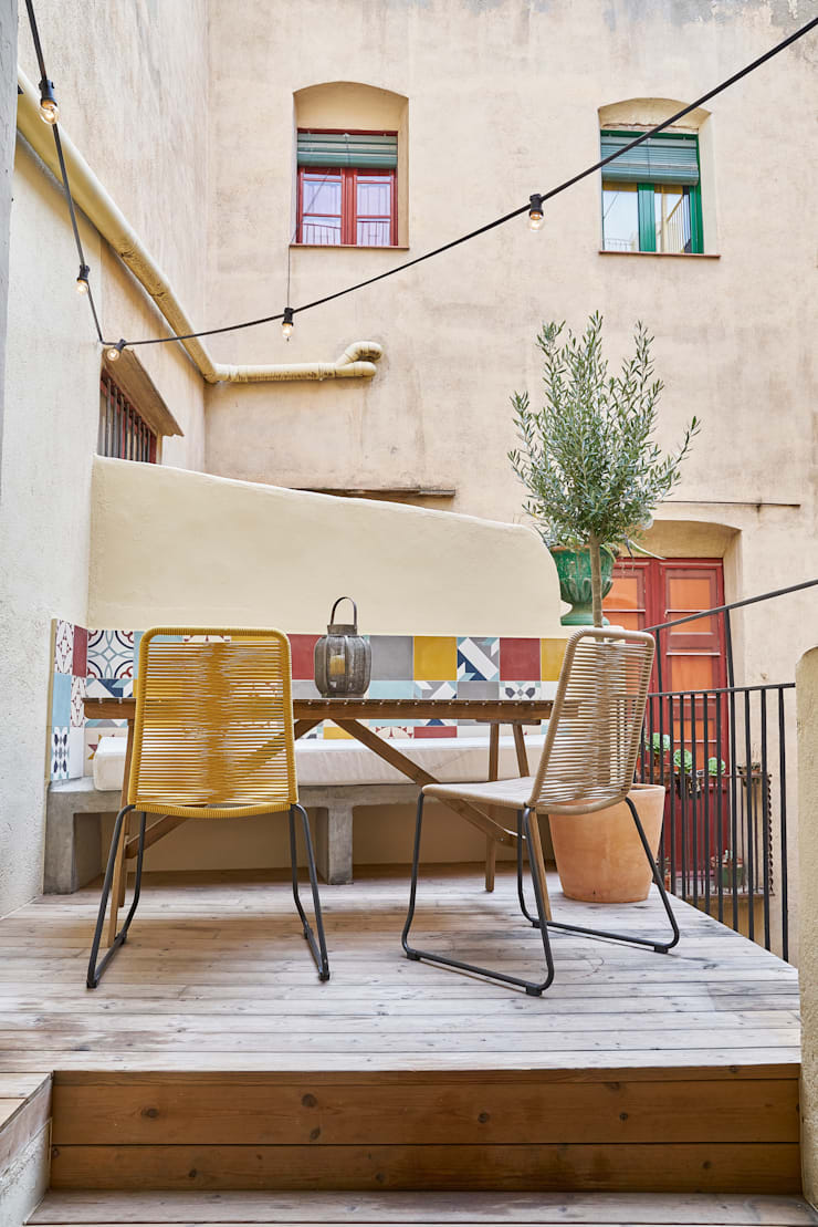 PISO ROSIC: Terrazas de estilo  de Bloomint design,