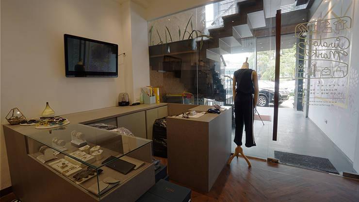 Curator Market:   by Urbano Livings