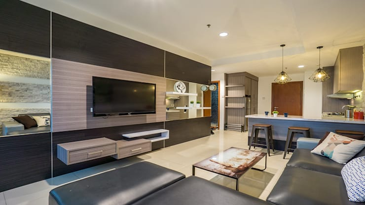 Thamrin Residence:   by Urbano Livings