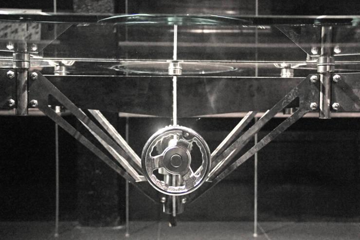 spider table:  書房/辦公室 by 形構設計 Morpho-Design