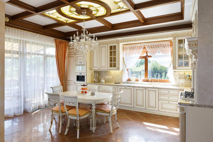 «Солнечная Резиденция», Дом в Румболово, 260 м.кв.: Кухни в . Автор – Дизайн элитного жилья | Студия Дизайн-Холл